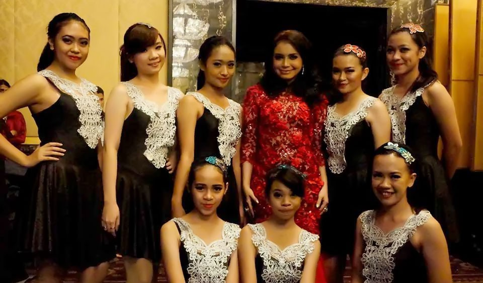 RAFA-International-Dance-School-show-with-Rossa